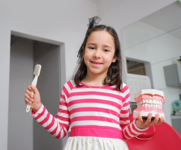 How to turn a child's tooth brushing into fun for it?
